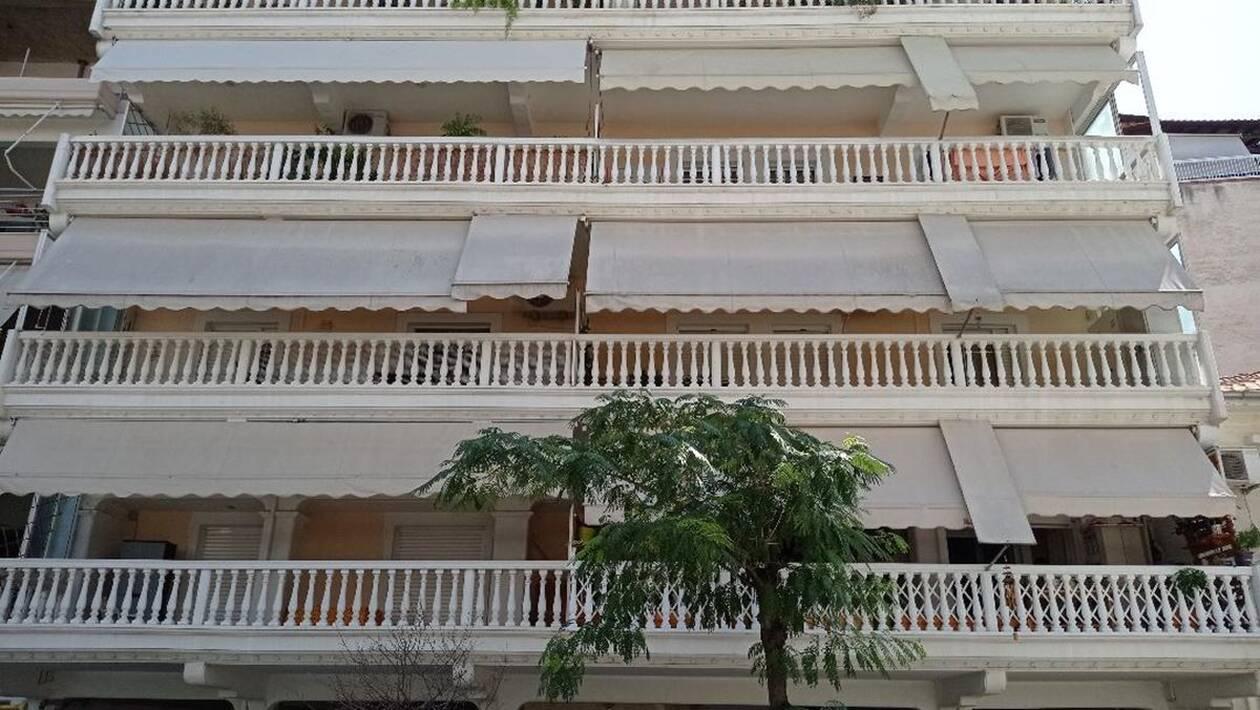 τρίτο όροφο