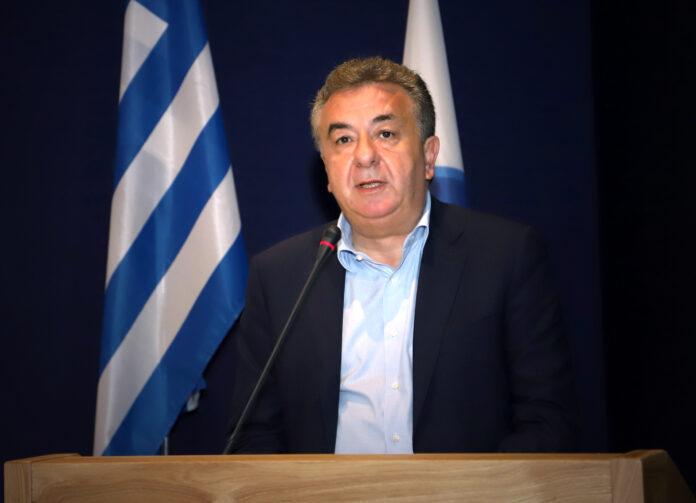 O Perifereiarxis Kritis Stavros Arnaoutakis