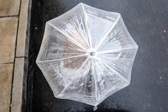 άσπρη ομπρέλα