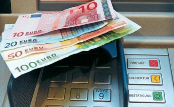 χρήματα σε ατμ