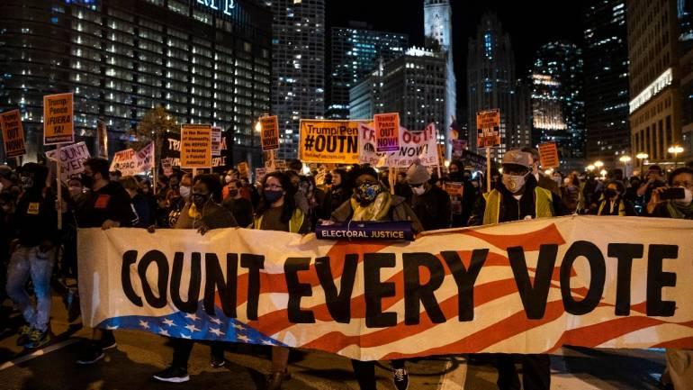 πανο διαδηλωτες