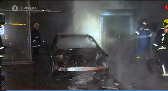 φωτιά σε αυτοκίνητο στο Κουκάκι