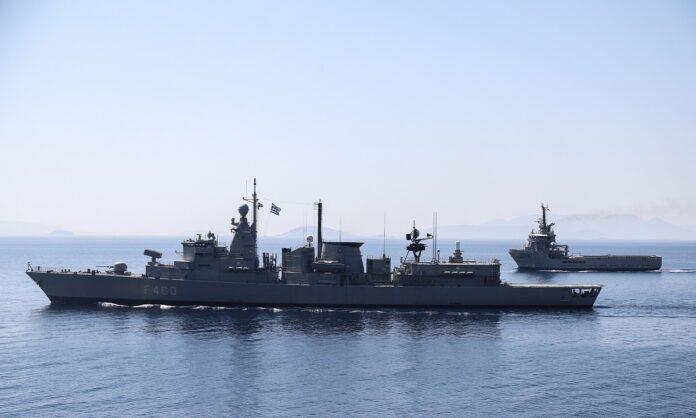 Πλοίο στην θάλασσα