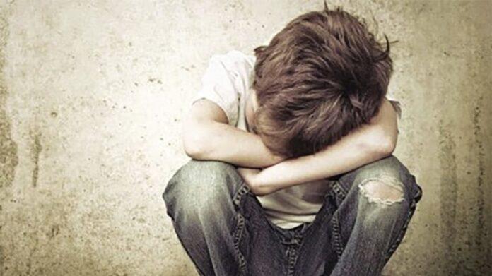παιδί που κλαίει