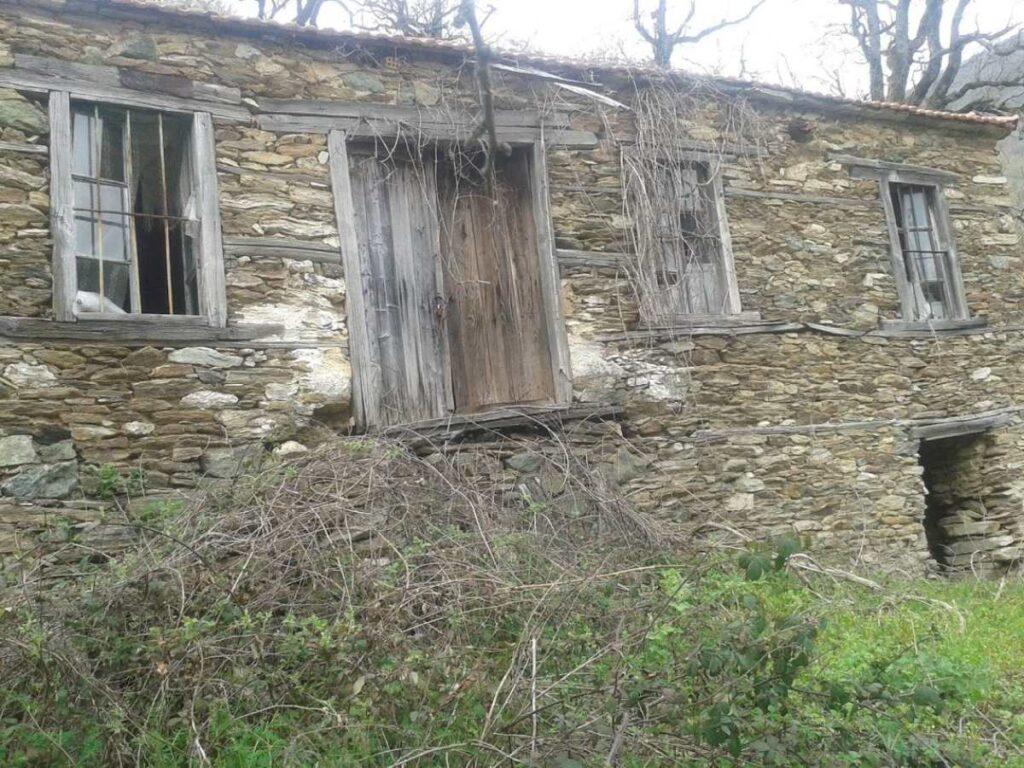 παλιό σπίτι στην Μόρνα