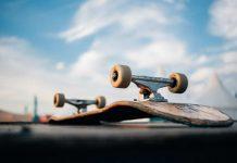 επίθεση με skateboard σε αστυνομικό