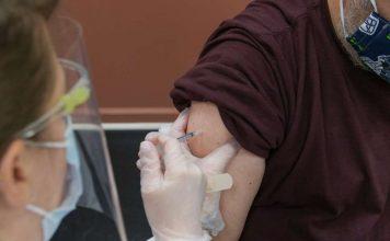 εμβολιασμοί εκτός λίστας στη Θεσσαλονίκη
