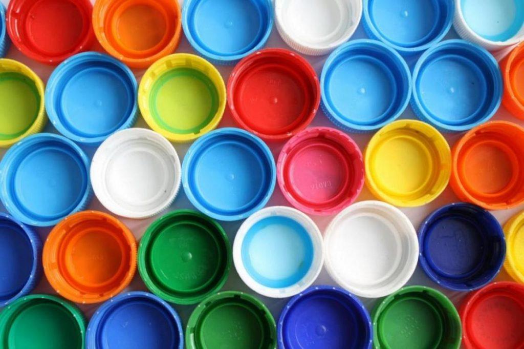 ανακύκλωση στα πλαστικά καπάκια