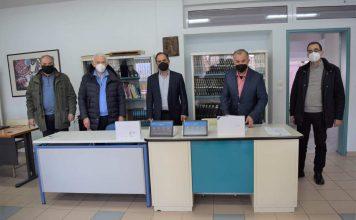 ο δήμος Καρδίτσας μοίρασε τάμπλετ στους μαθητές
