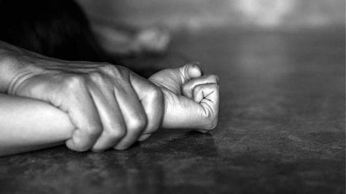 βιασμός εγγονής από τον παππού της
