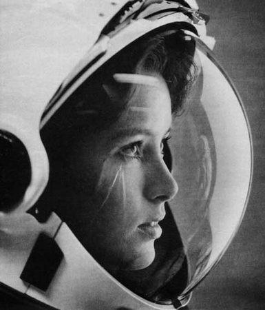 Η Anna Fisher, «η πρώτη μητέρα στο διάστημα»