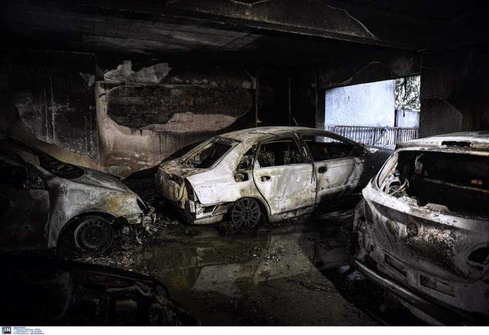 εμπρηστική επίθεση σε πυλωτή στην Καλαμαριά