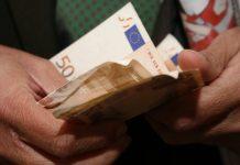 Χαράτσι στους εμπόρους για την ενίσχυση των ταμείων των Δήμων