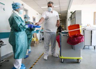Νοσηλευτές-κορονοϊος