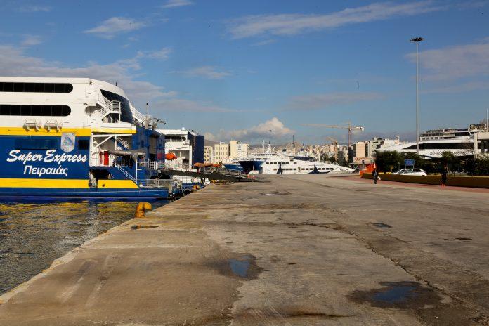 Πλοία στο λιμάνι