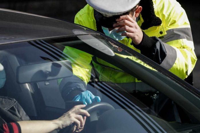 έλεγχοι αστυνομίας για τον κορονοϊό
