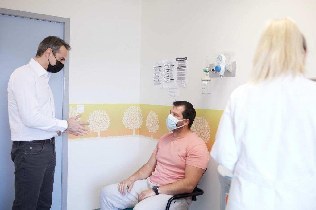 επίσκεψη Μητσοτάκη στο Κέντρο Υγείας της Ραφήνας