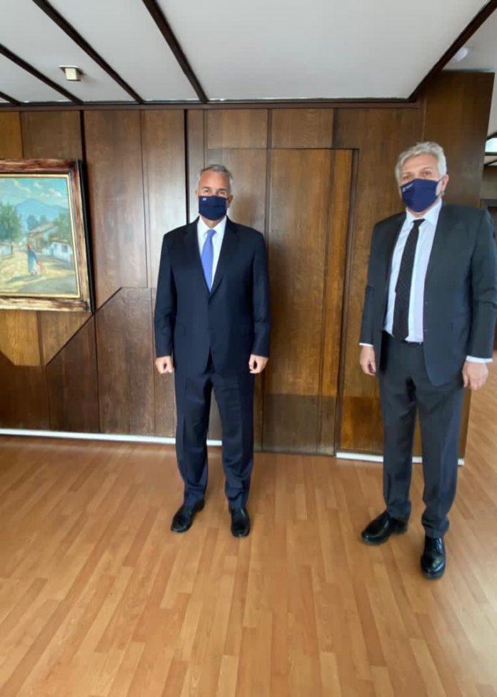 Συνάντηση Υπουργού Εσωτερικών με τον δήμαρχο Μάνδρας Ειδυλλίας