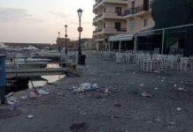 σκουπίδια στο ενετικό λιμάνι