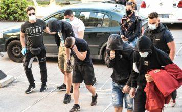 οι 5 κατηγορούμενοι στην επίθεση της Νέα Σμύρνης
